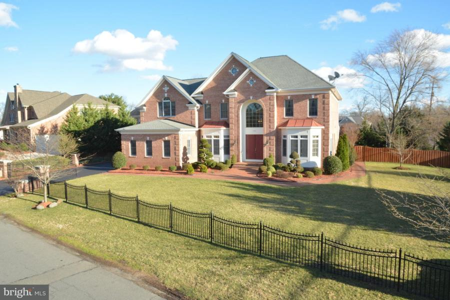 7407 FRANKLIN ROAD, Annandale, Virginia
